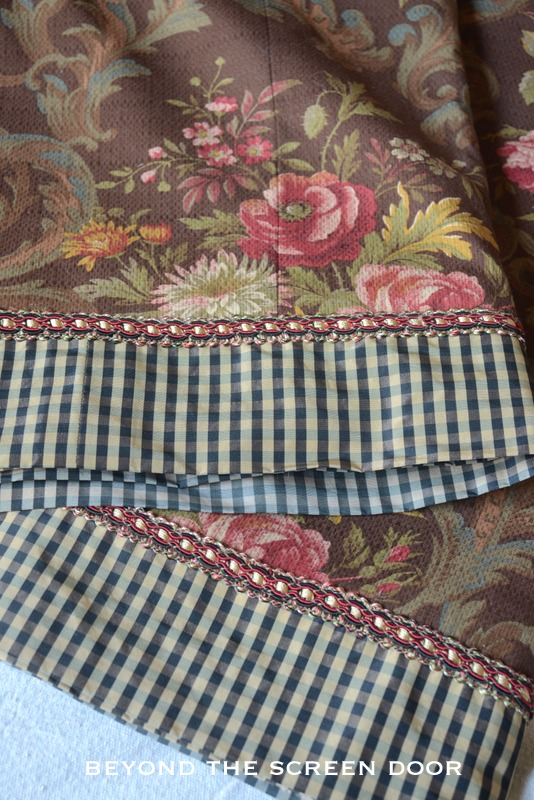 Brown Floral & Check Valance 1