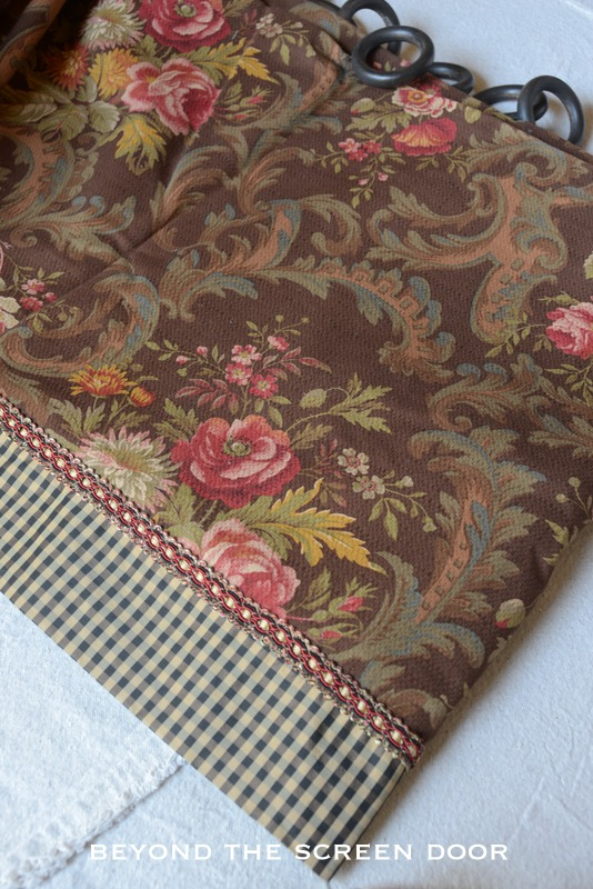Brown Floral & Check Valance 2
