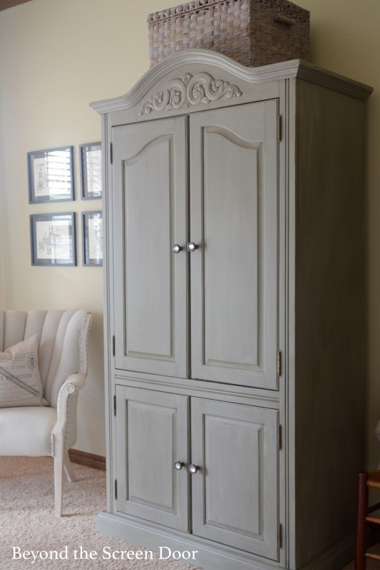 Dixie Bell Paint - Armoire