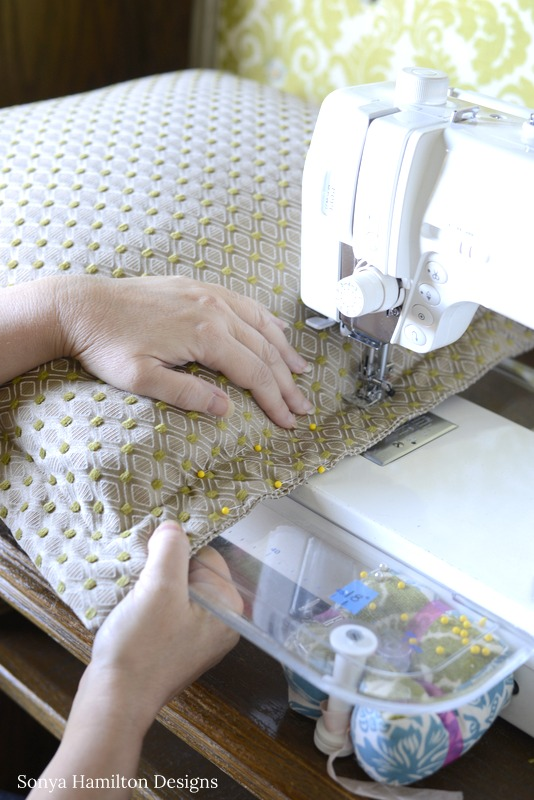sewing a flange pillow closed