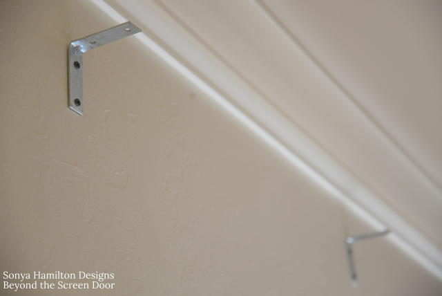 installation-board-mounted-scalloped-valance