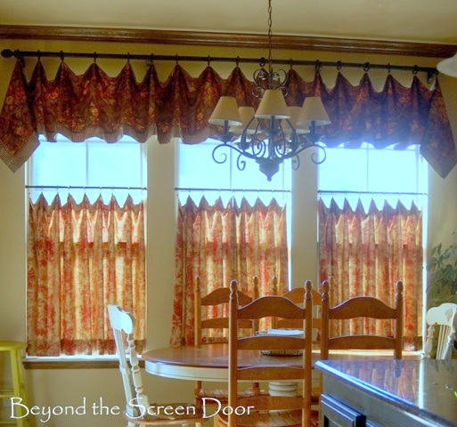 Kitchen Cafe Curtain and Valance (2)