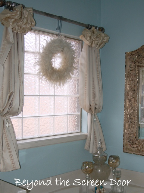 poof top curtain
