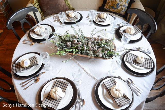 easy holiday tablecloth